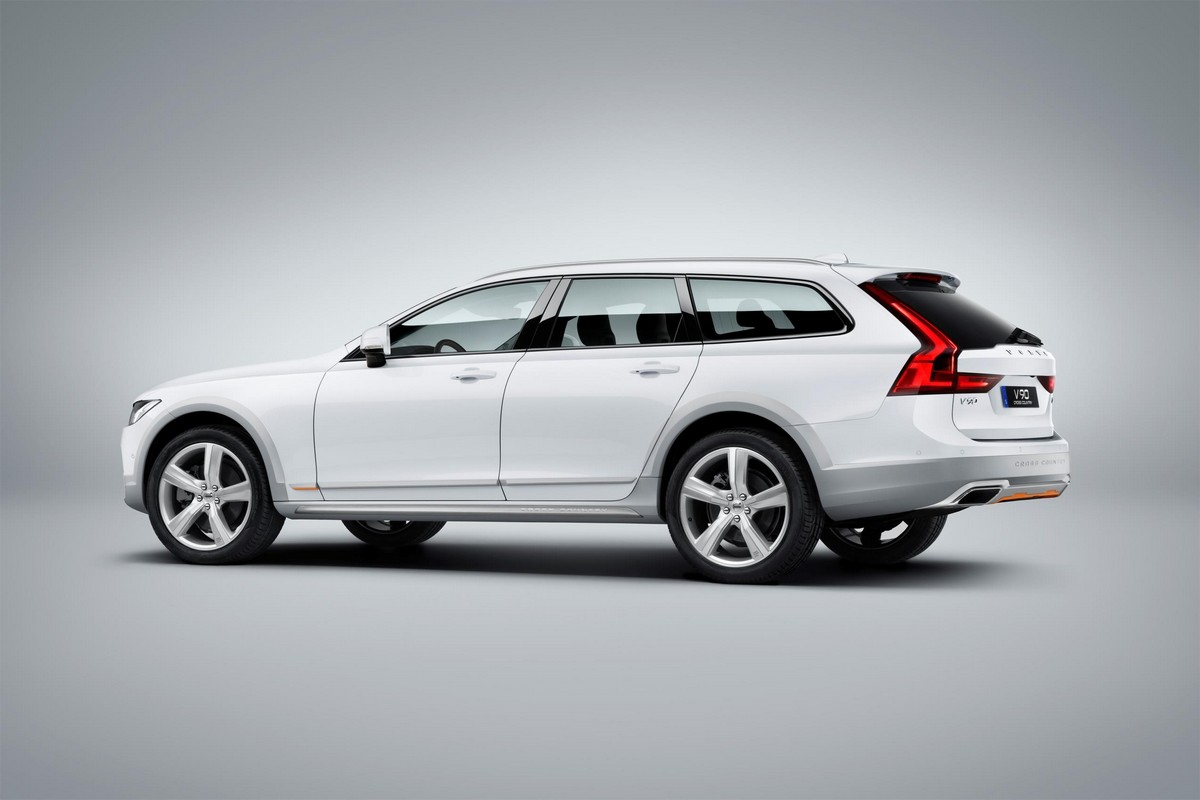 Official 2018 Volvo V90 Cross Country Volvo Ocean Race