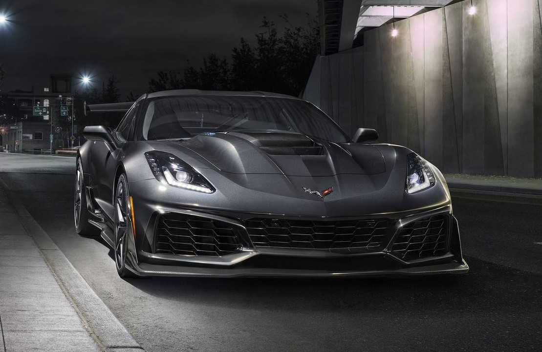 2019 corvette zr1 comes with 755 hp lotta attitude. Black Bedroom Furniture Sets. Home Design Ideas