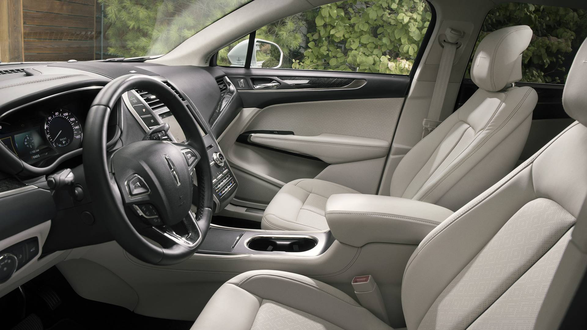 2019 Lincoln MKC Unveiled with Fresh Looks, More Tech