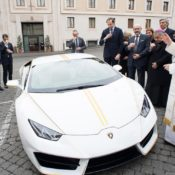 Lamborghini Huracan Gifted to Pope Francis 1 175x175 at Lamborghini Huracan Gifted to Pope Francis, To Be Auctioned for Charity