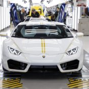 Lamborghini Huracan Gifted to Pope Francis 11 175x175 at Lamborghini Huracan Gifted to Pope Francis, To Be Auctioned for Charity