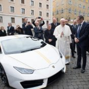 Lamborghini Huracan Gifted to Pope Francis 2 175x175 at Lamborghini Huracan Gifted to Pope Francis, To Be Auctioned for Charity