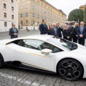 Lamborghini Huracan Gifted to Pope Francis 4 175x175 at Lamborghini Huracan Gifted to Pope Francis, To Be Auctioned for Charity