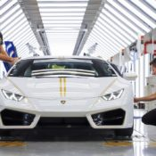 Lamborghini Huracan Gifted to Pope Francis 7 175x175 at Lamborghini Huracan Gifted to Pope Francis, To Be Auctioned for Charity