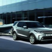 2018 Land Rover Discovery Commercial 2 175x175 at Official: 2018 Land Rover Discovery Commercial