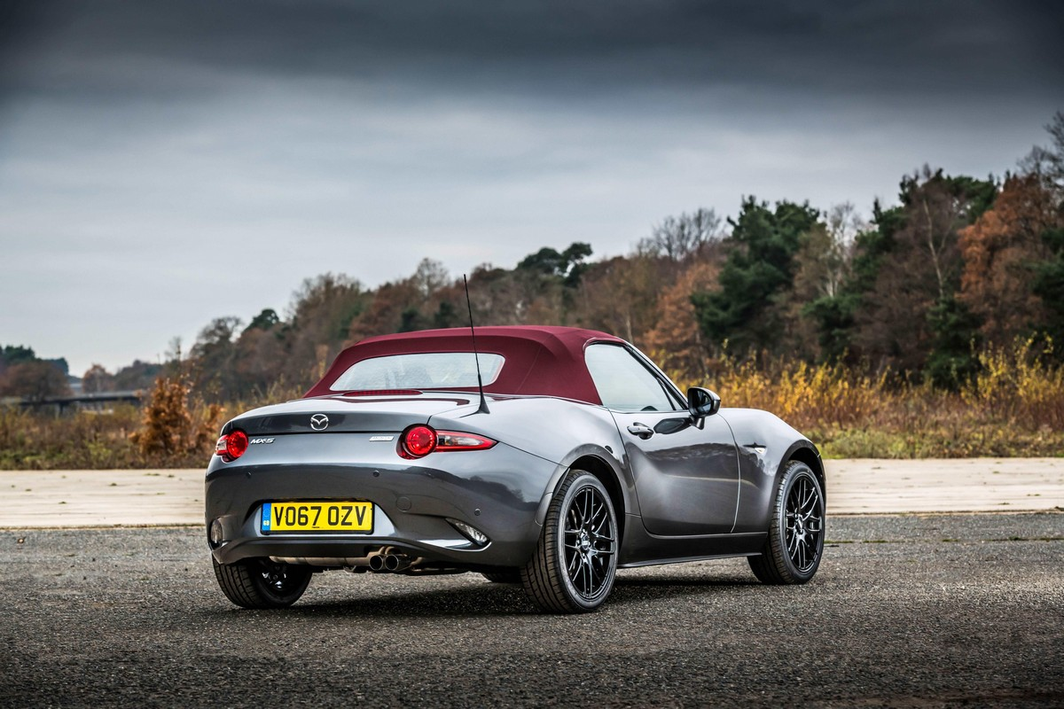 mazda mx 5 z sport limited edition for uk. Black Bedroom Furniture Sets. Home Design Ideas