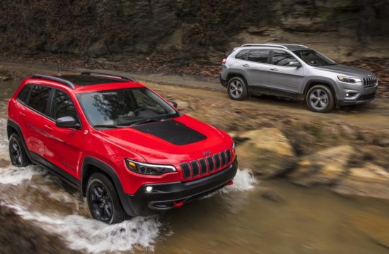 2019 Jeep Cherokee 1 550x360 at 2019 Jeep Cherokee Is Still Ugly, But More Premium