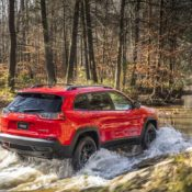 2019 Jeep Cherokee 3 175x175 at 2019 Jeep Cherokee Is Still Ugly, But More Premium