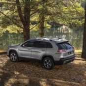 2019 Jeep Cherokee 5 175x175 at 2019 Jeep Cherokee Is Still Ugly, But More Premium