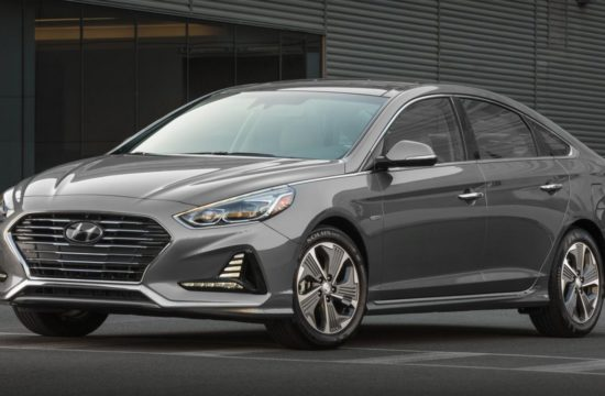 2018 Hyundai Sonata Hybrid 1 550x360 at 2018 Hyundai Sonata Hybrid Goes Official in Chicago