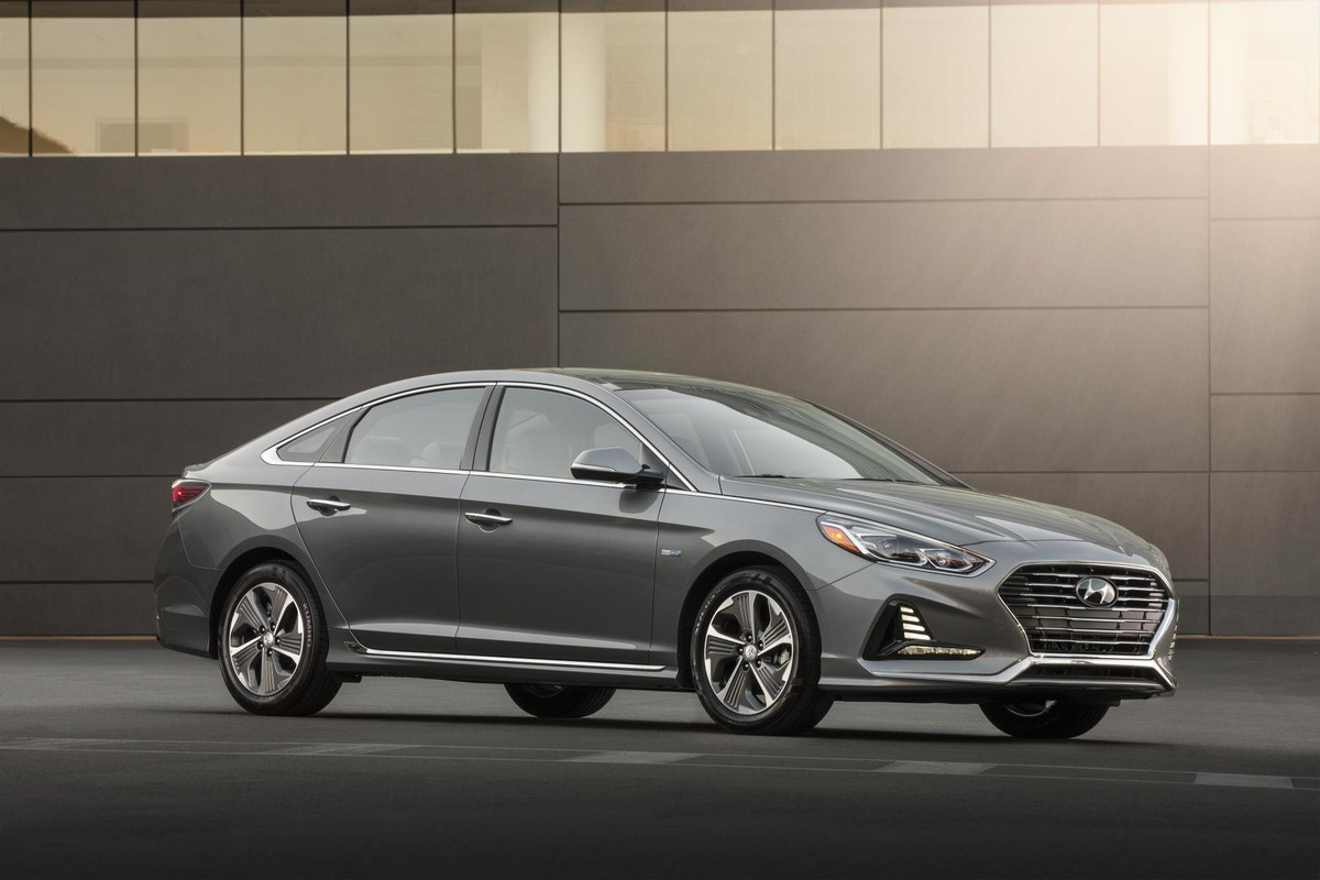 2018 hyundai sonata hybrid goes official in chicago. Black Bedroom Furniture Sets. Home Design Ideas