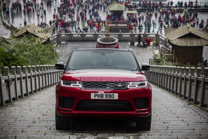 2018 Range Rover Sport PHEV 2 730x486 at 2018 Range Rover Sport PHEV Climbs 999 Steps to Heavens Gate
