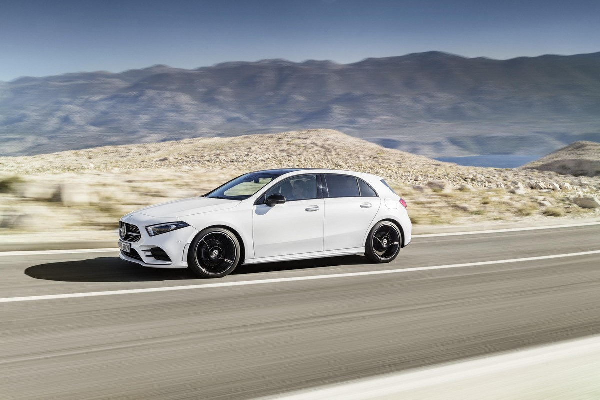2019 mercedes a class is a mini cls with s class features. Black Bedroom Furniture Sets. Home Design Ideas