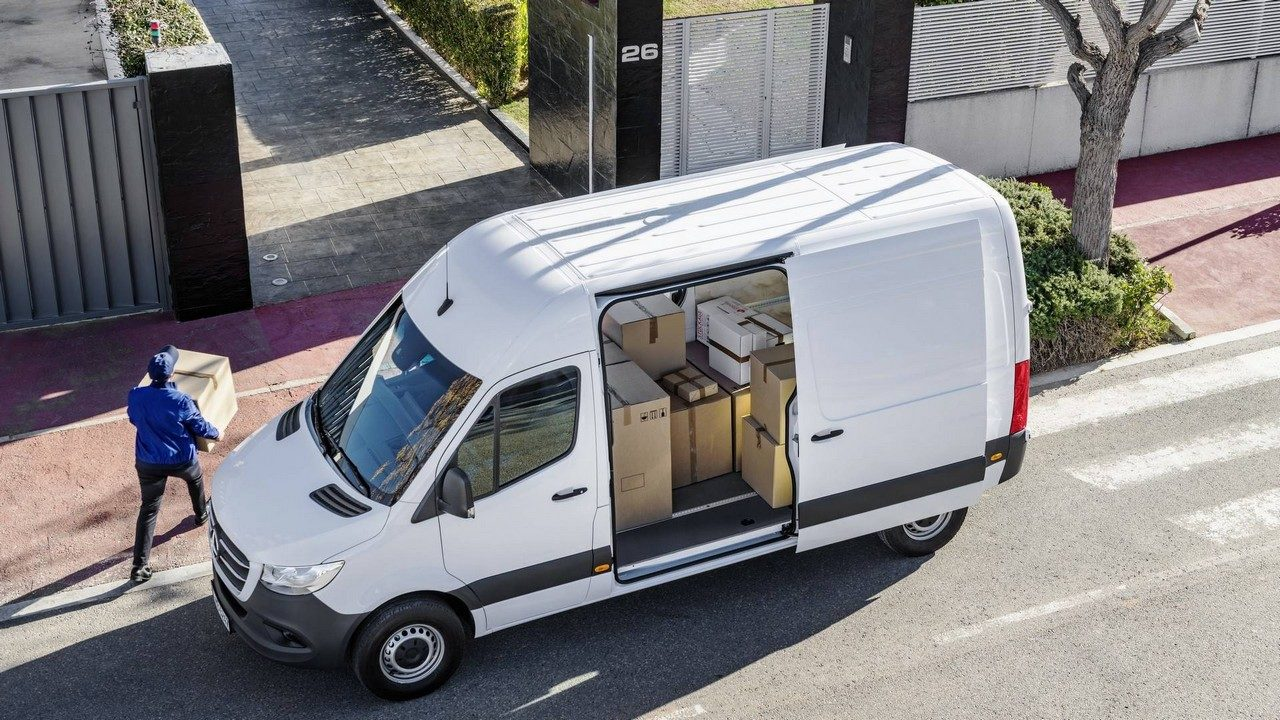 2019 mercedes sprinter is a jack of all trades. Black Bedroom Furniture Sets. Home Design Ideas