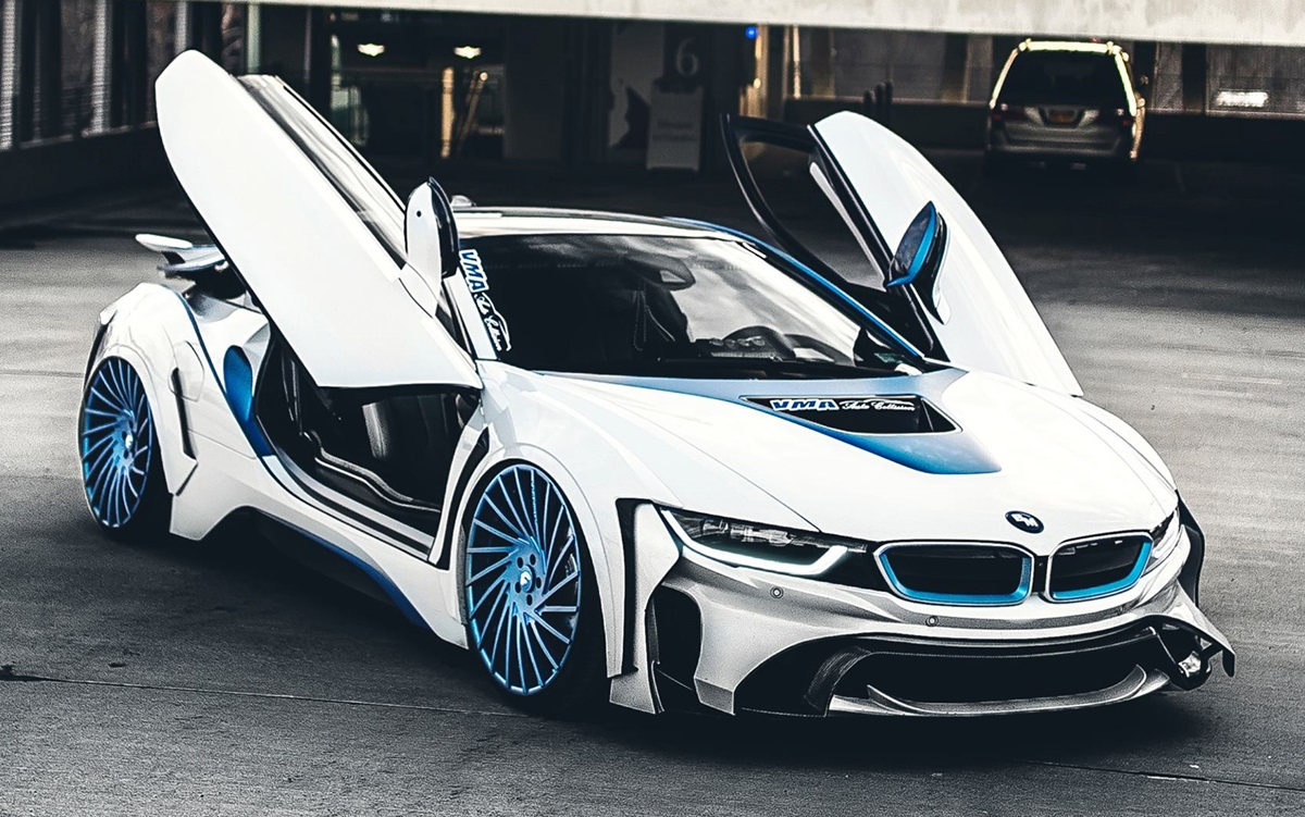 BMW i8 Dark Knight on Forgiato Wheels