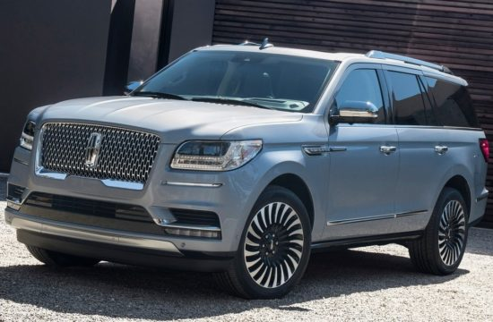 Lincoln Navigator 2018 550x360 at Ford Boosts Production of 2018 Lincoln Navigator to Meet Demand
