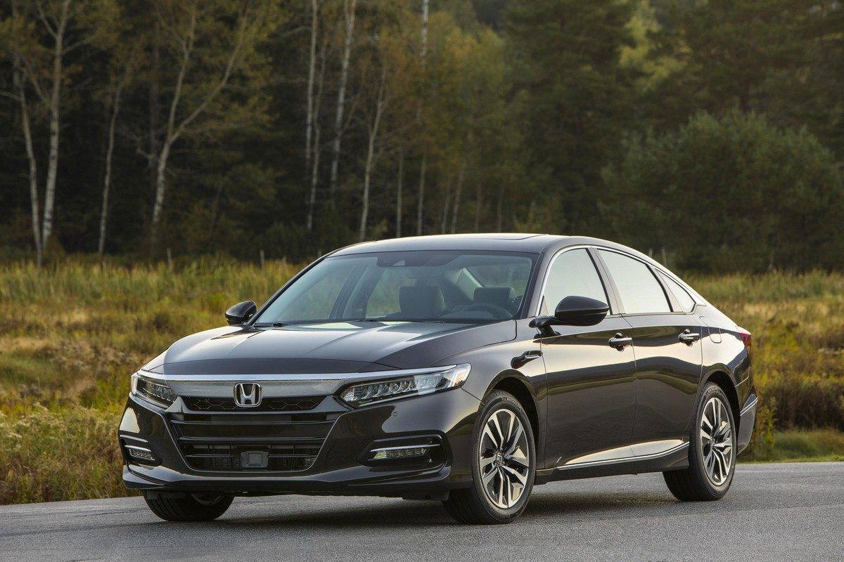 2018 honda accord hybrid pricing and specs. Black Bedroom Furniture Sets. Home Design Ideas