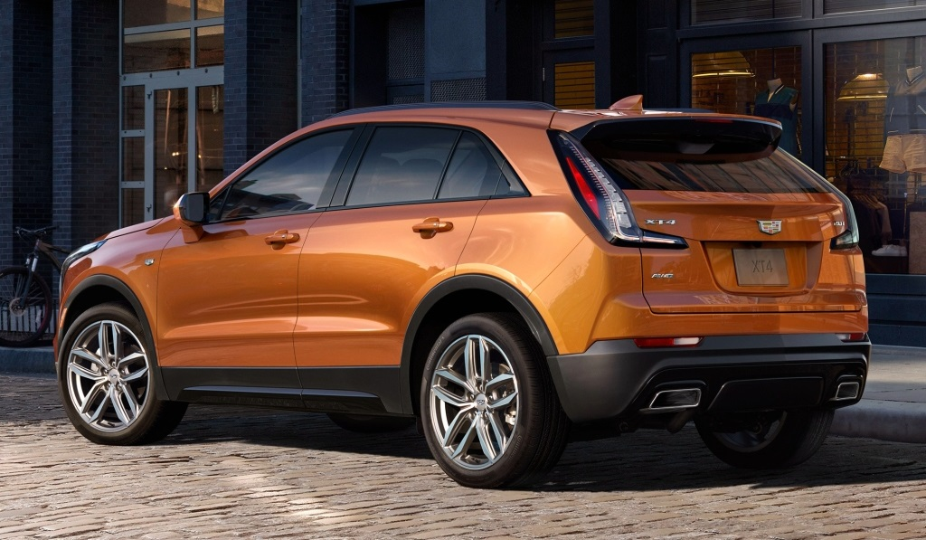 2019 cadillac xt4 compact suv unveiled in new york. Black Bedroom Furniture Sets. Home Design Ideas