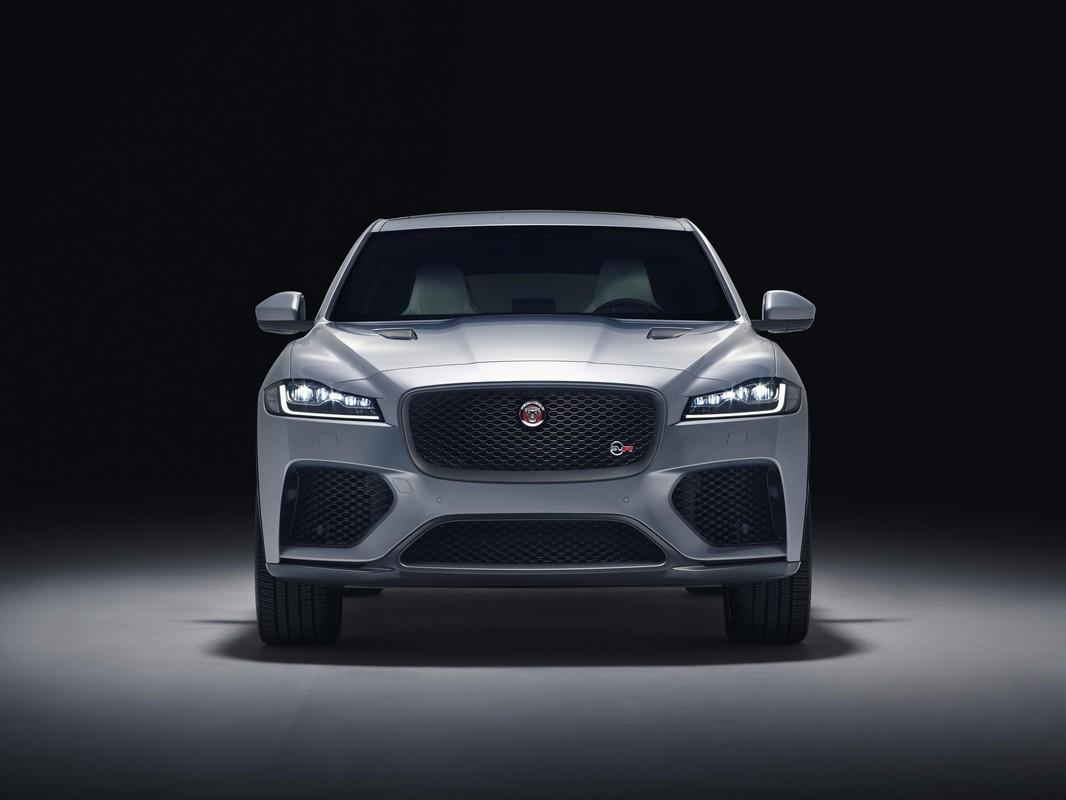 2019 jaguar f pace svr unveiled with 550 horsepower. Black Bedroom Furniture Sets. Home Design Ideas