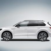 New 2019 Touareg 5 175x175 at 2019 Volkswagen Touareg Goes Official