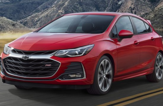 2019 Chevrolet CruzeHatch 001 550x360 at 2019 Chevrolet Cruze Facelift Sedan and Hatch Unveiled