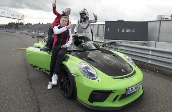 2019 Porsche 911 GT3 RS lap time 5 550x360 at 2019 Porsche 911 GT3 RS Sets Nurburgring Lap Time: 6:56.4