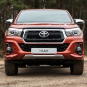 800 toyota hilux 061217 raw 123 175x175 at Official: Toyota Hilux 2018 Special Edition