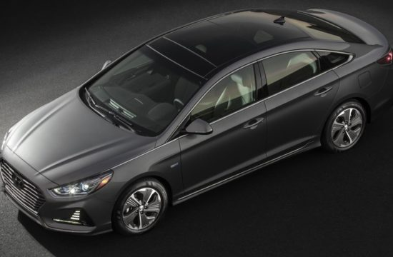 Large 30613 2018SonataHybrid 550x360 at 2018 Hyundai Sonata Hybrid Boosts the Value Factor