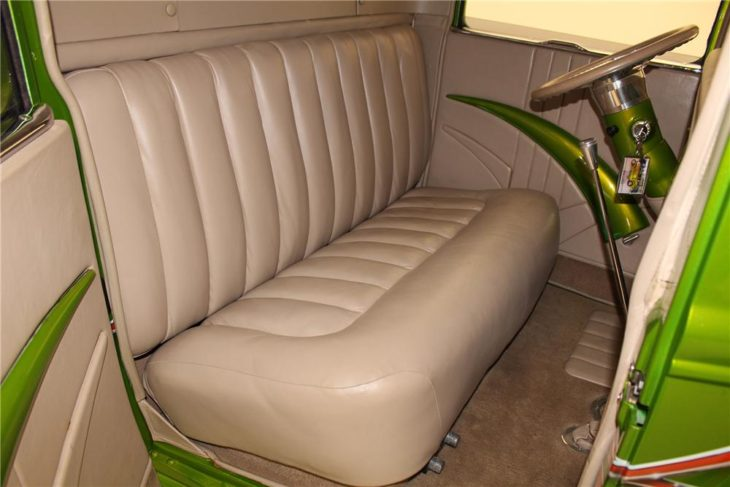 car seat 1930 730x487 at Cars Over the Century: The History of Seat Cover Styles