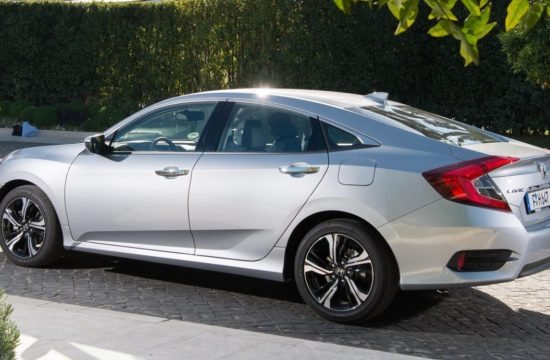 Civic four door 4 550x360 at Honda Civic Four Door Saloon Set to Launch in UK Market