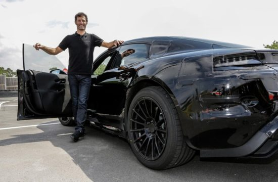 Mark Webber Gives Porsche Mission E 1 550x360 at Mark Webber Gives Porsche Mission E Two Thumbs Up