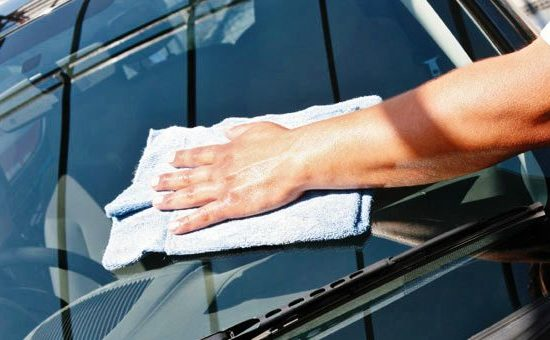 glass cleaning 550x340 at Tips for Cleaning Glass Car Windows