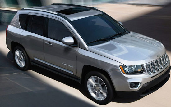suv 2 550x345 at Best SUVs With Sunroof in India