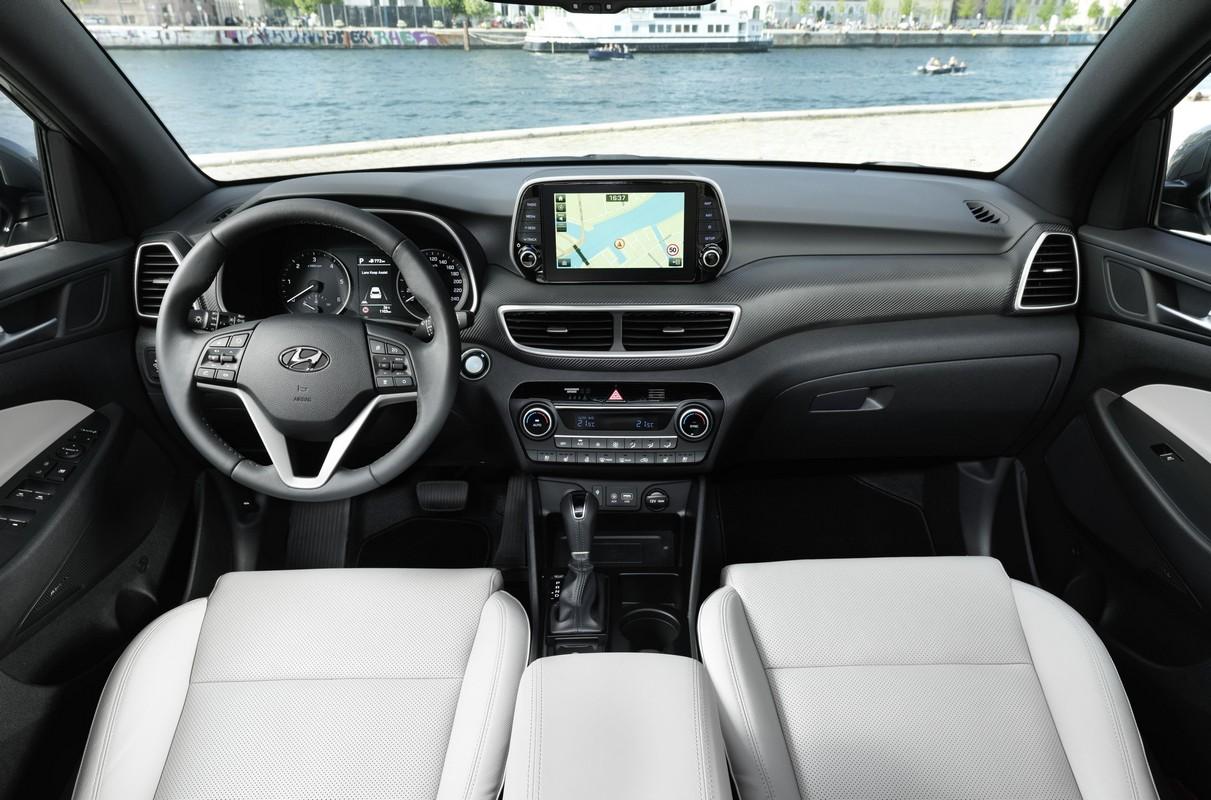 New hyundai tuscon gets 48 v mild hybrid powerrain - Hyundai tucson interior pictures ...