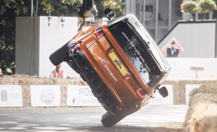 2 wheel range rover 2 730x445 at Range Rover Sets New Fastest Two Wheel Mile Record at Goodwood