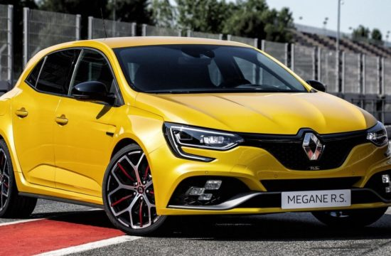 2019 Renault Megane RS Trophy 1 550x360 at 2019 Renault Megane RS Trophy Is for Hot Hatch Geeks