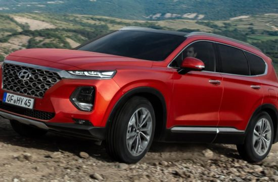 2019 santa fe uk 550x360 at 2019 Hyundai Santa Fe SUV Priced from £33,425 in the UK