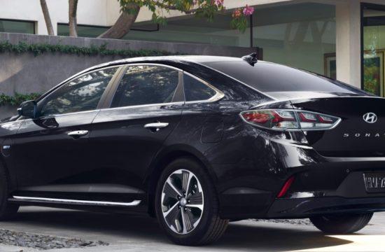 Hyundai Sonata Plug In Hybrid 1 550x360 at 2018 Hyundai Sonata Plug In Hybrid Gets a $1,350 Price Cut