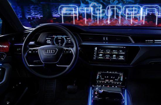 audi e tron interior 0 550x360 at Audi e tron Prototype Interior Pushes Digital Boundaries