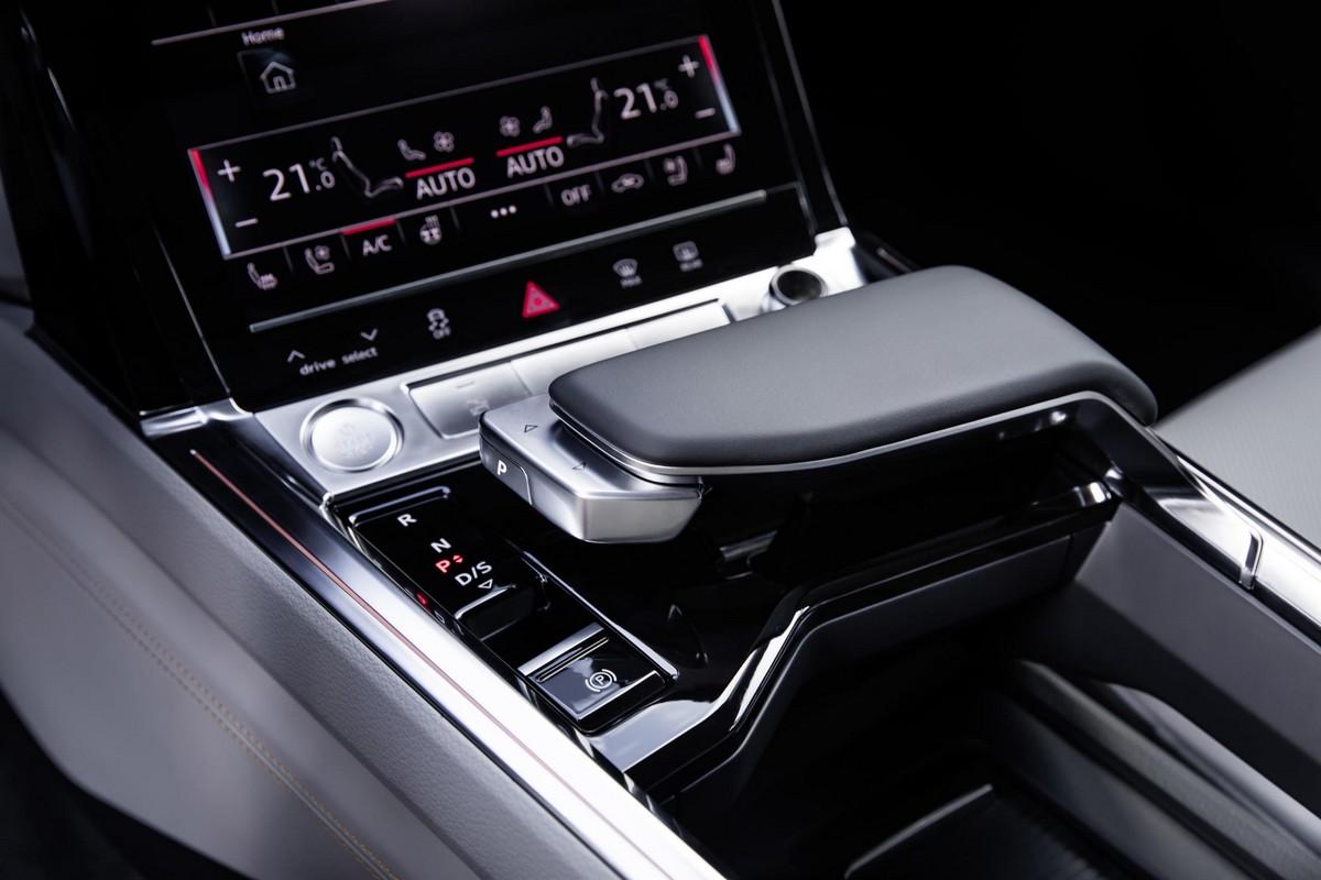 Audi E Tron Prototype Interior Pushes Quot Digital Boundaries Quot