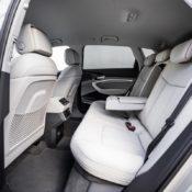 audi e tron interior 11 175x175 at Audi e tron Prototype Interior Pushes Digital Boundaries
