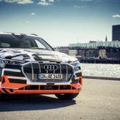 audi e tron interior 12 175x175 at Audi e tron Prototype Interior Pushes Digital Boundaries