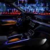 audi e tron interior 4 175x175 at Audi e tron Prototype Interior Pushes Digital Boundaries