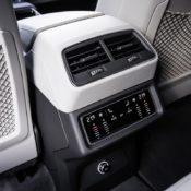 audi e tron interior 5 175x175 at Audi e tron Prototype Interior Pushes Digital Boundaries