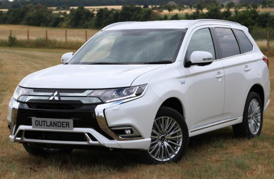 2019 Mitsubishi Outlander PHEV 1 550x360 at 2019 Mitsubishi Outlander PHEV   UK Pricing & Specs