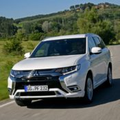 2019 Mitsubishi Outlander PHEV 3 175x175 at 2019 Mitsubishi Outlander PHEV   UK Pricing & Specs