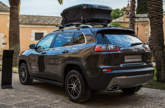 180913 Mopar Nuova Jeep Cherokee 03 550x360 at 2019 Jeep Cherokee Gets Moparized in Europe