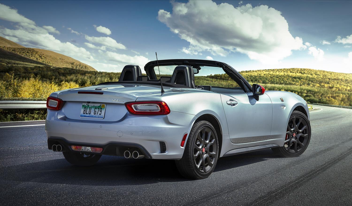 2019 fiat 124 spider abarth gets juicy new options. Black Bedroom Furniture Sets. Home Design Ideas