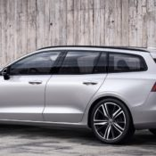 231026 New Volvo V60 R Design 175x175 at 2019 Volvo V60 R Design Launches with £35,410 Price Tag