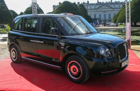 Electric London Taxi 1 550x360 at Electric London Taxi (LEVC TX) Makes Hampton Court Debut